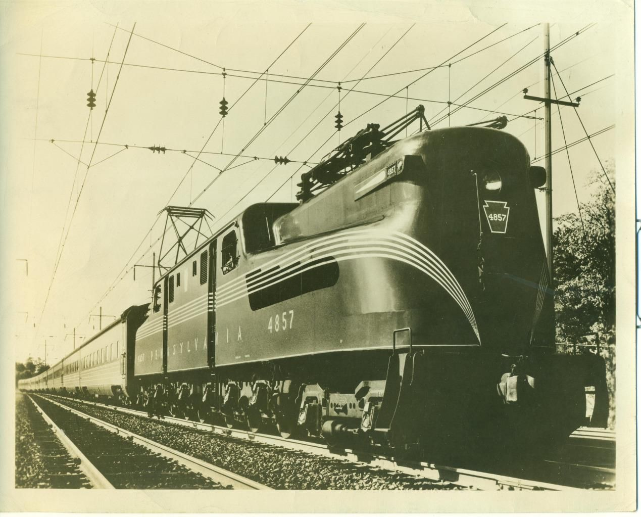 1948 PHOTO PENNSYLVANIA RR GG 1 LOCOMOTIVE 4857