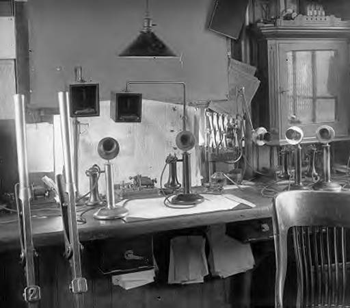 LEWISTOWN_PA_-_JUNCTION_-_PAPER_ON_TELEPHONE_SYSTEM_-_INTERIOR_OF_TOWER_1914.jpg